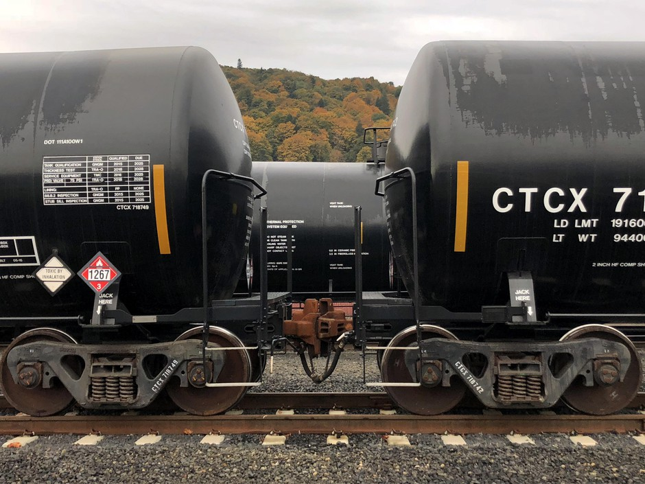 Tank cars on the train tracks outside ofthe Zenith Energy oil terminal in Portland also contain a placard warning of toxic inhalation.