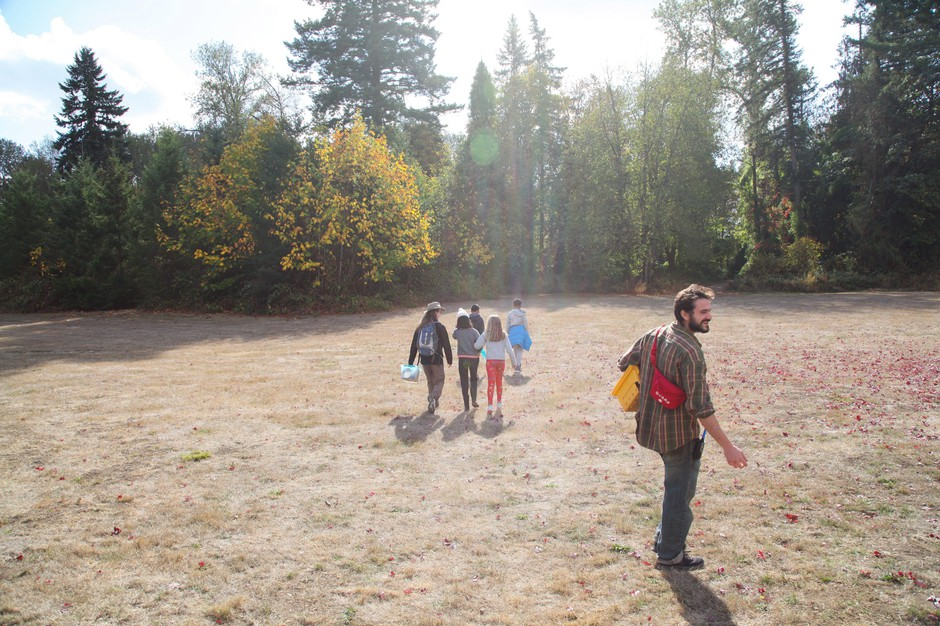 """Outdoor School educator """"Munk"""" leads students on a science learning activity at the Canby Grove site near Canby, Ore."""