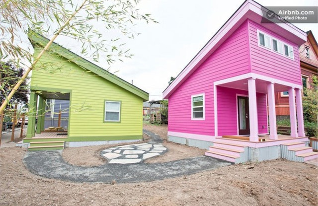 """""""Little Green House"""" and """"Little Pink House"""" on the Airbnb website."""