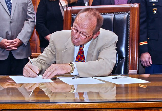 Oregon Sen. Jeff Kruse at the Capitol in 2013.