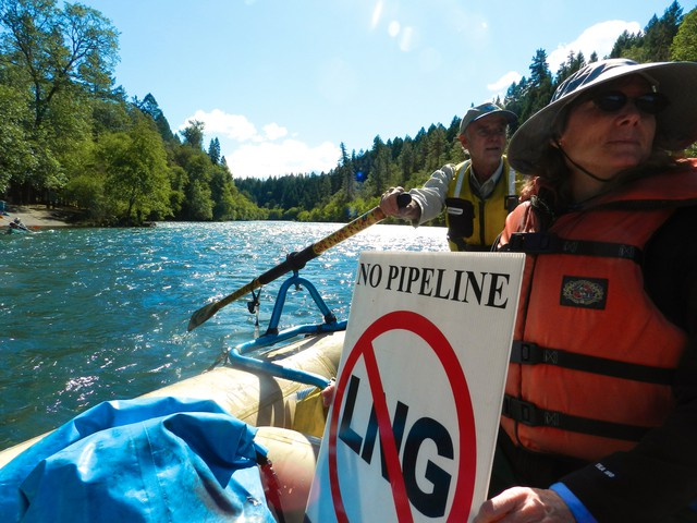 """Hike the Pipe"" supporters on Rogue River show opposition to the Jordan Cove liquefied natural gas project."