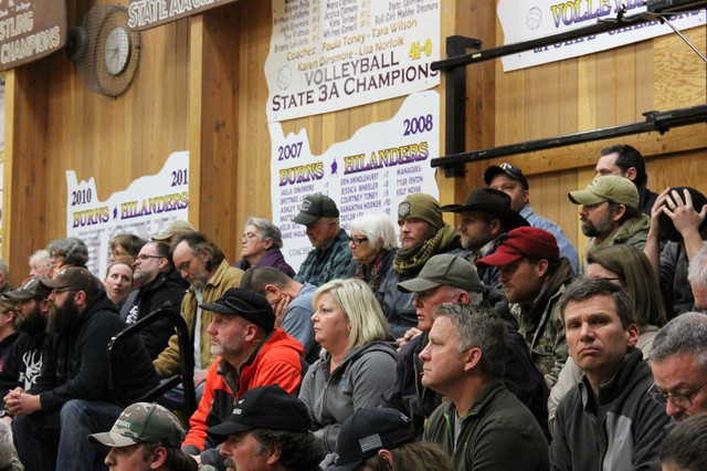 Ammon Bundy and other supporters of the Malheur refuge occupation showed up midway through a community meeting in Burns on Tuesday.