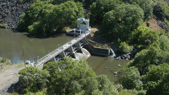 PacifiCorp's Copco 1 dam on the lower Klamath River is one of four hydro dams that would be removed to facilitate fish passage.