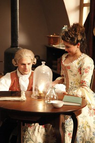 Hugo Becker and Ava DeLuca-Verley as  Antoine Lavoisier and Marie Anne Lavoisier