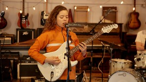 Nilüfer Yanya plays an opbmusic Live Session at Type Foundry Studios.