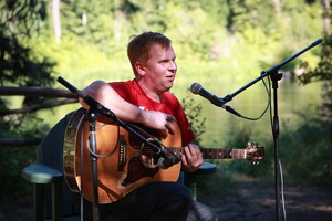 Band frontman Ryan Sollee performing at Suttle Lodge in Sisters.