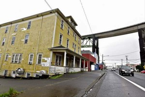 The Uniontown Apartments in Astoria could soon house the homeless.