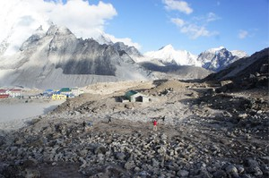 Northwest engineers hope to build a digester for human waste in Gorak Shep, a tiny village in Nepal near the Mount Everest base camp.