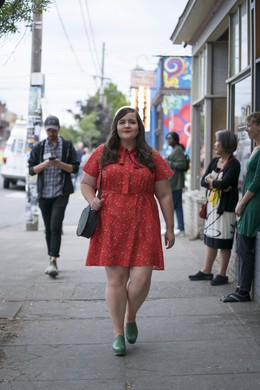 """In the new Hulu series """"Shrill,"""" aspiring journalist Annie works toquestion and unlearn the toxic attitudes that others haveimposed upon her body. Based on Lindy West's memoir, the show is a celebration of self-love."""