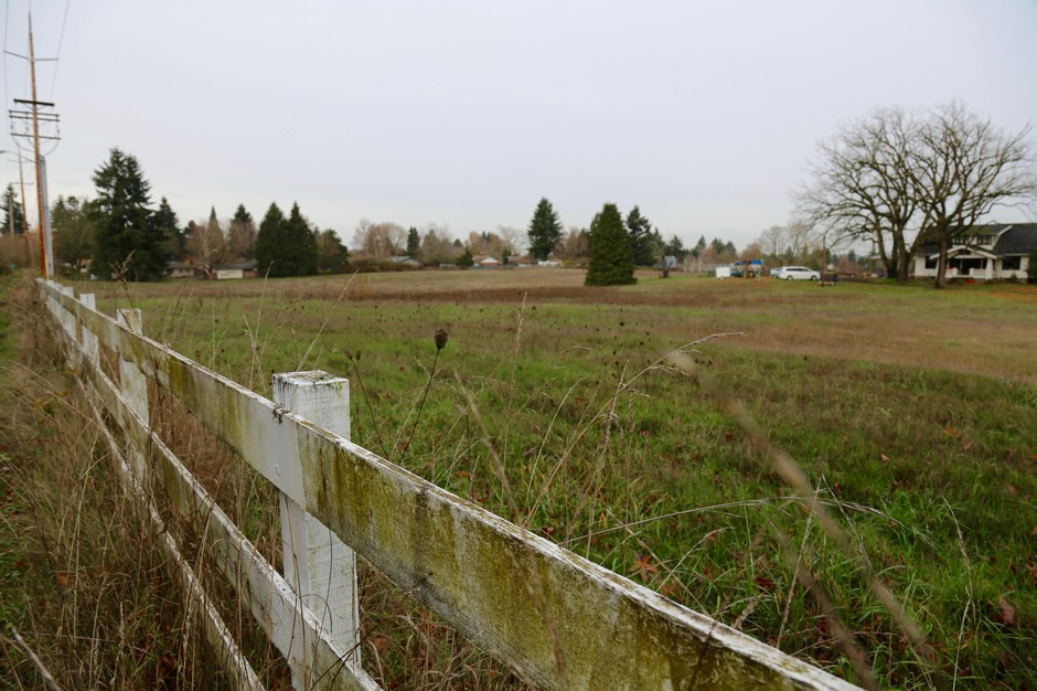 A 9.5-acre parcel of land donated byVancouverphilanthropists Ed and Dollie Lynch.