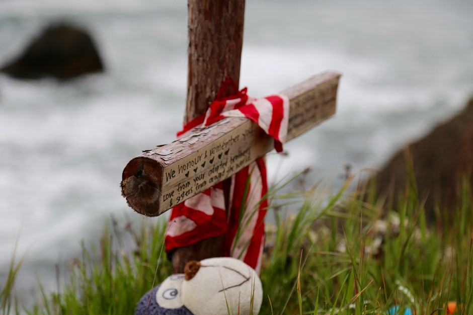 A memorial at the site where Jennifer Hart drove her family off a cliff on the California coast in 2018 is pictured in Mendocino County on Wednesday, April 3, 2019.