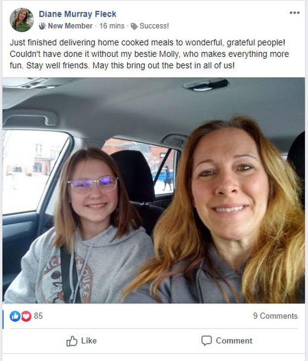 Diane Murray Fleckposteda selfie after cooking anddelivering meals for Pandemic Partners with her daughter Molly.