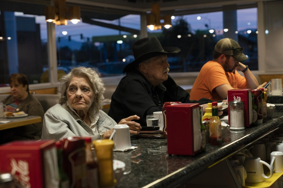 Delfa and Richard Middleton eat at Casey's Diner on Oct. 22, 2018 in Roseburg, Oregon. They've always owned guns, but didn't yet know how they'd vote on the Second Amendment Preservation Ordinance on the ballot Nov. 6.