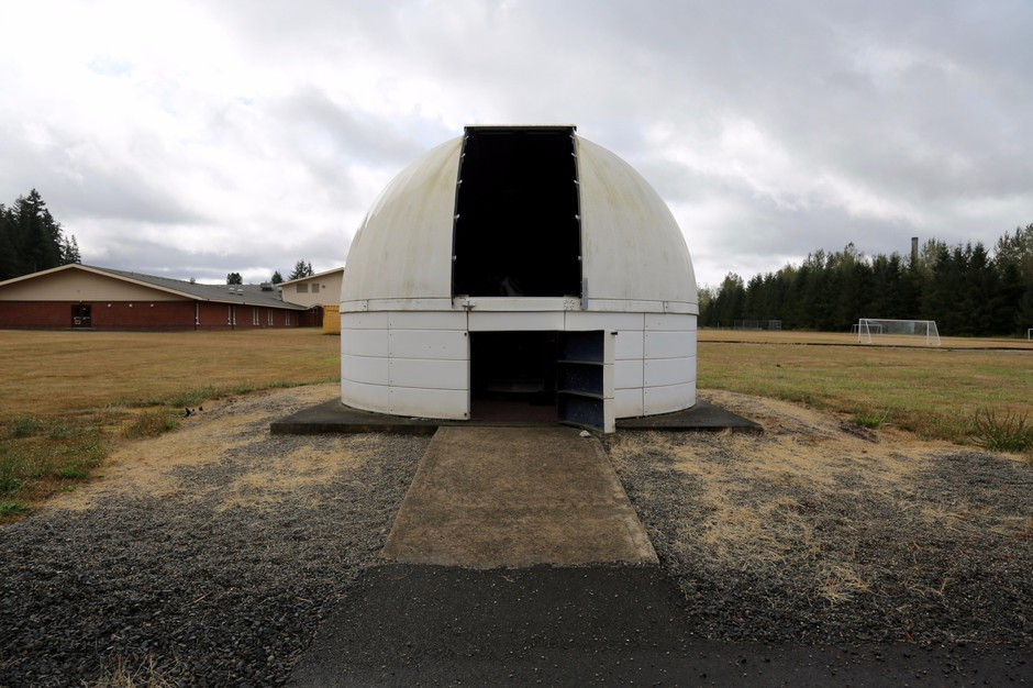 Onalaska's Herold Observatory sits in the middle ofa school field. The 24-inch telescope makes it the largest public observatory in Western Washington.